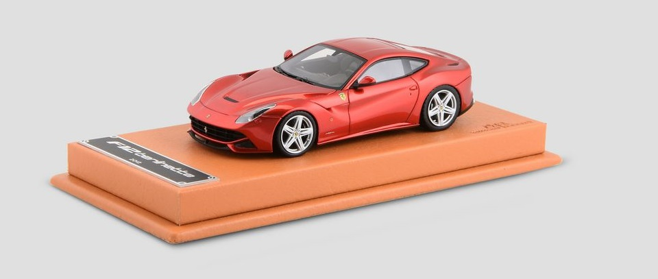 Ferrari F12 Berlinetta  skala 1:43   cena 330 £ (ok. 1660 pln)