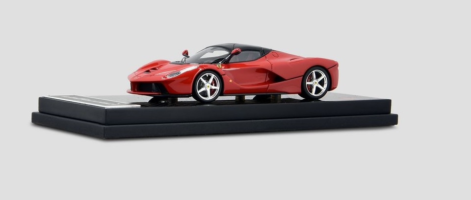 Ferrari LaFerrari  skala 1:43   cena 370 £ (ok. 1860 pln)