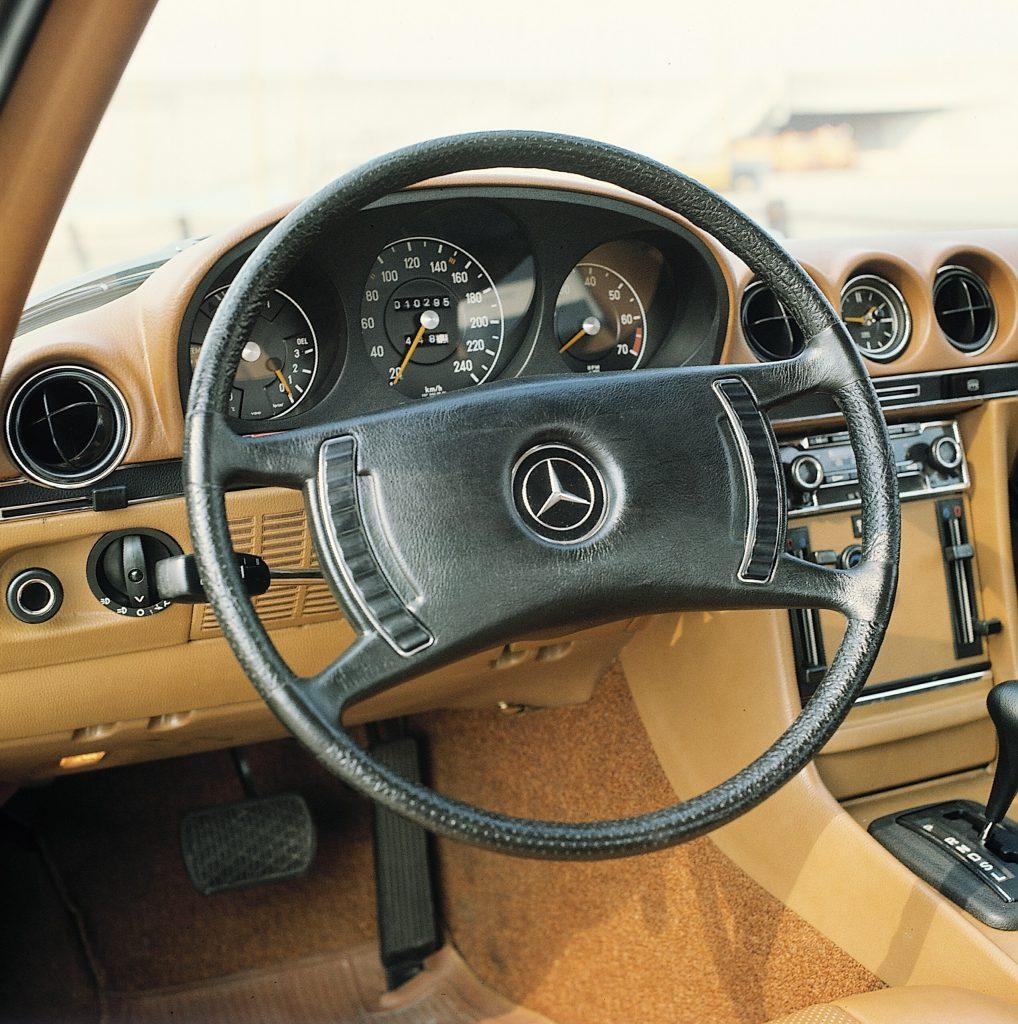 Mercedes-Benz Type 350 SL (R107) rok 1971 fot. archiwum Mercedes-Benz