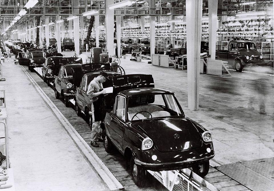 fot. Mazda - taśma produkcyjna R360 Coupé