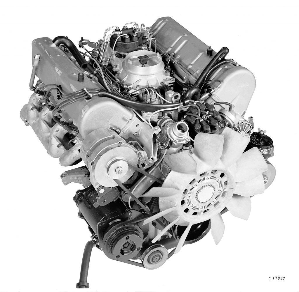 fot. Mercedes-Benz Motor Typ 450 SEL 6.9