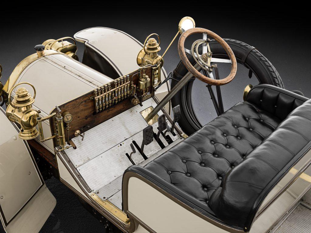 Mercedes Simplex rok 1902  fot. archiwum Mercedes-Benz
