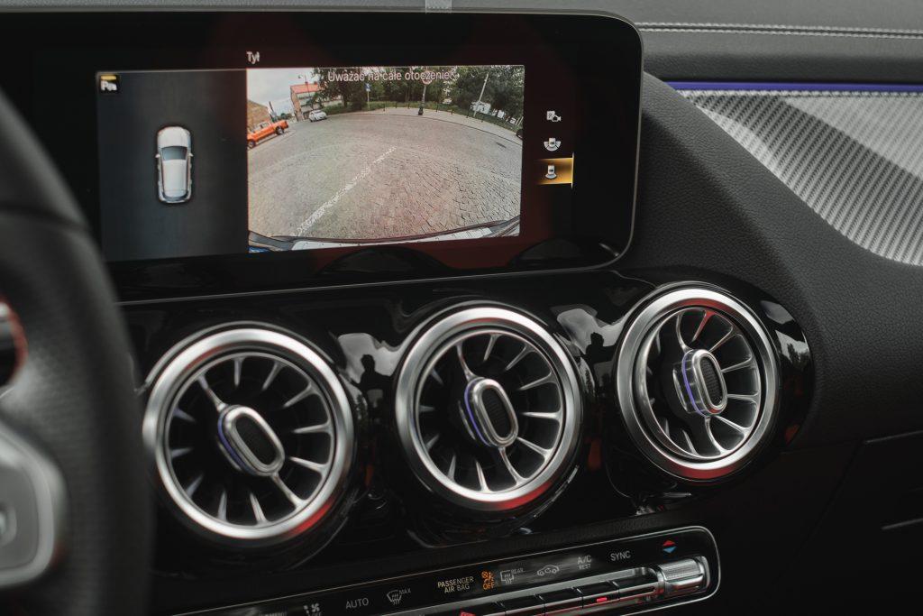 Mercedes-Benz GLA Interior