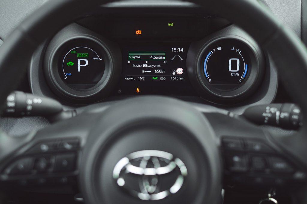 Toyota Yaris IV - zegary